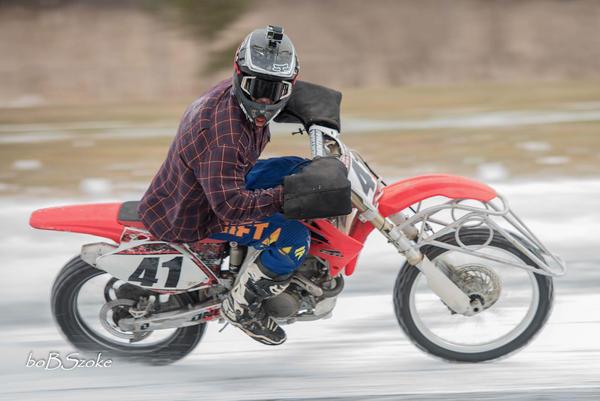 Ice Racing by Bob Szoke