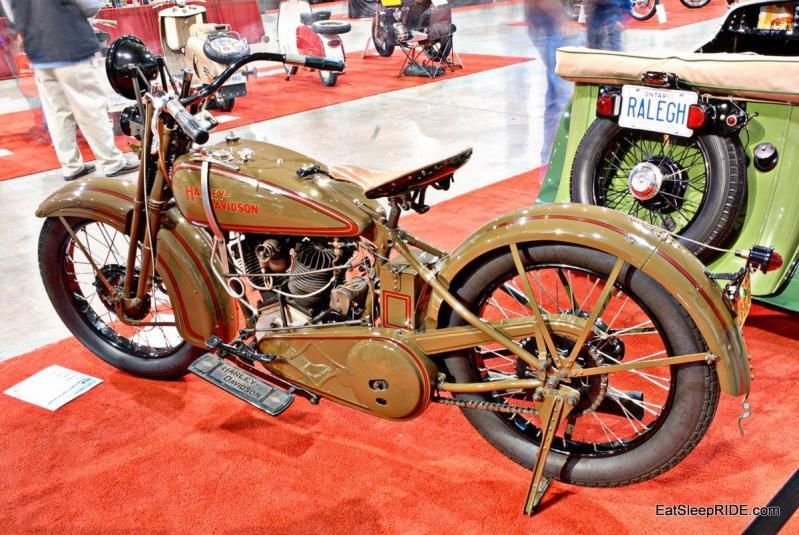Vintage Harley Davidson complete with suicide shifter