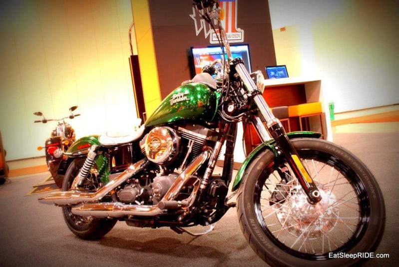 Harley 2013 Dyna Street Bob with H-D1