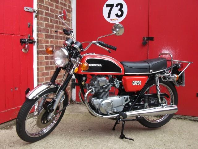 Ode To The Honda Cb200 Light Solid And Beautiful
