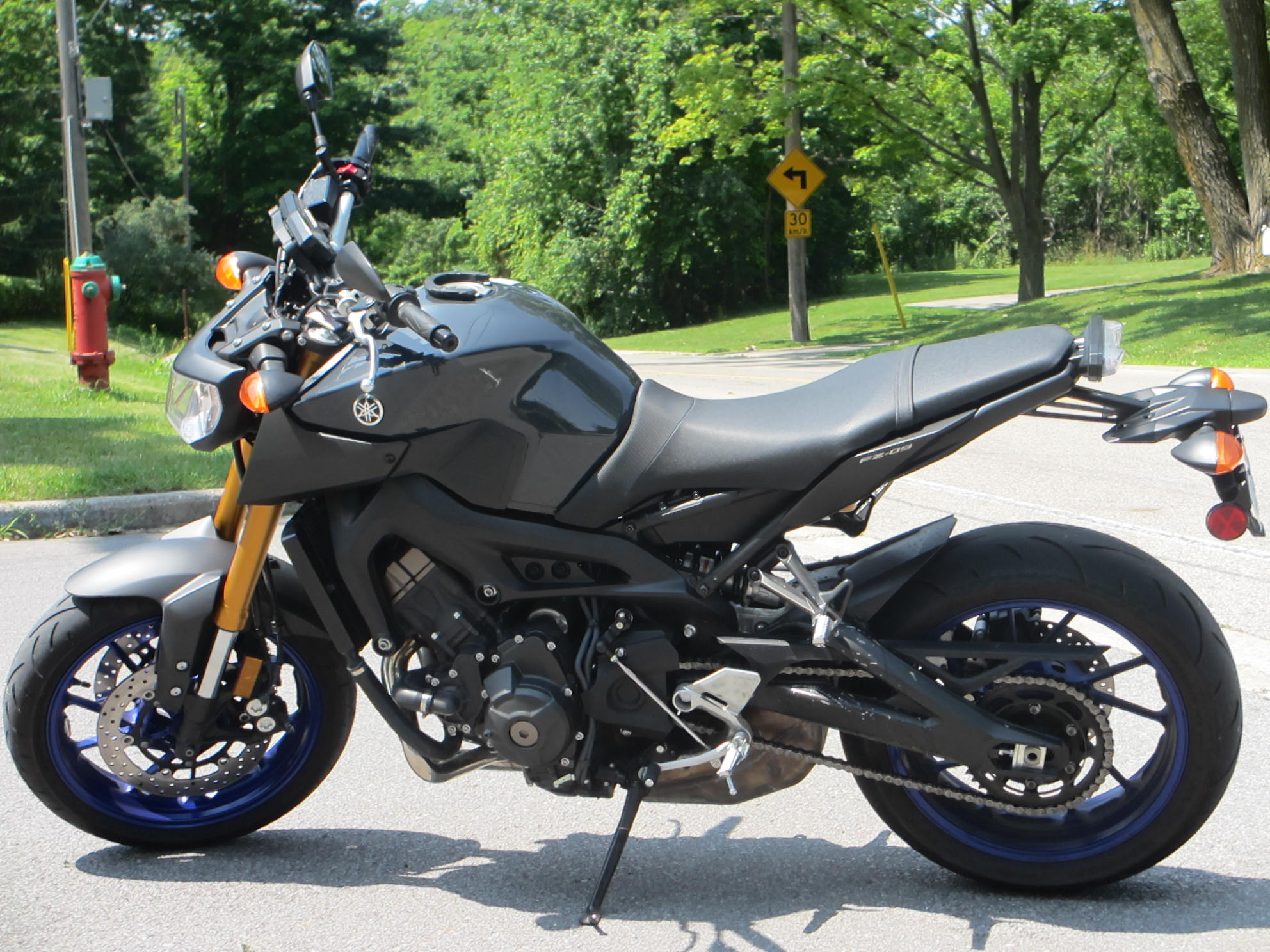 Yamaha fz 09 review eatsleepride for Yamaha fz 09 horsepower